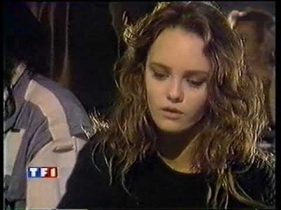 Interview de Vanessa Paradis sur TF1 News, le 27 mai 90