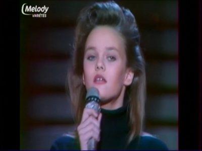 Vanessa Paradis ~ Manolo  Manolette ~  Décembre 1987