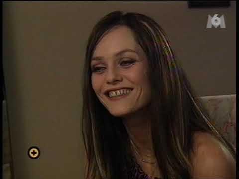 Vanessa Paradis 2000 10 21 interview @ Plus Vite Que La Musique